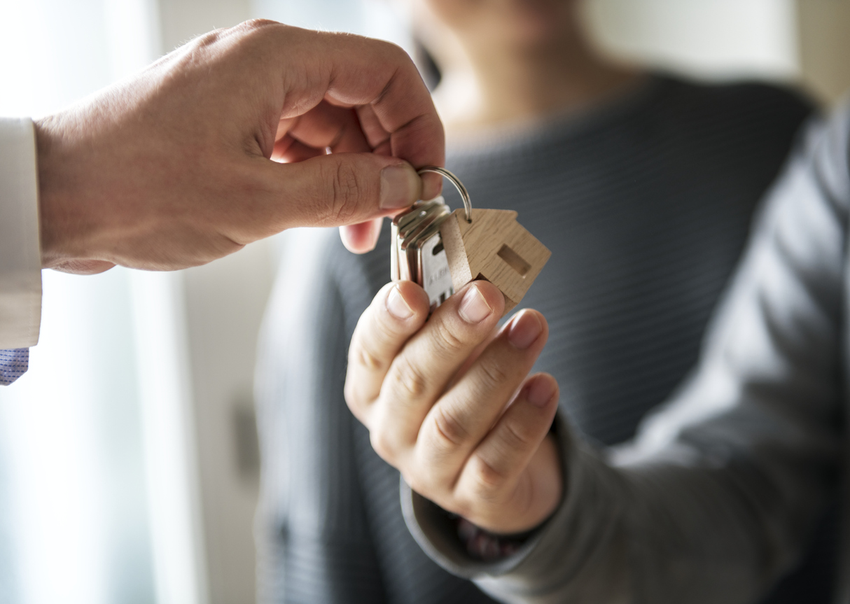 Conveyancing - Asian family buy new house